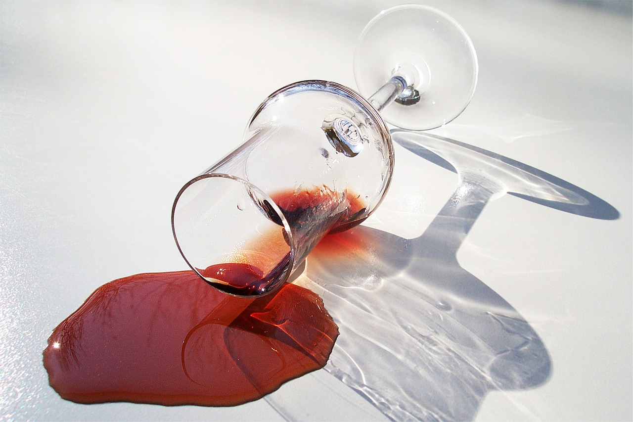 Wine Stains First Aid For Spilled Wine Apple Clean